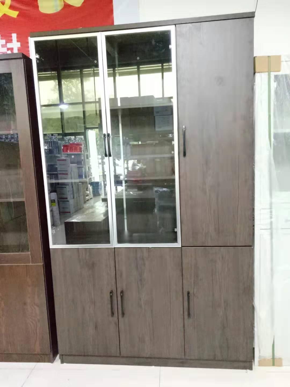 木质带玻璃文件柜  1.2米*2米